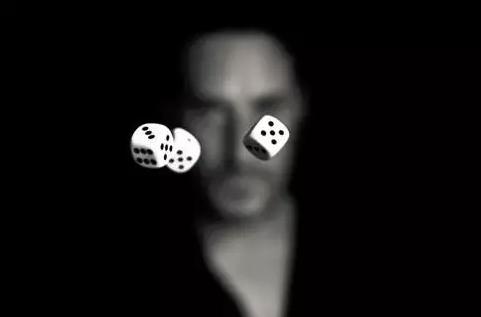 知乎高赞问答:赌徒为什么都是输光才走?