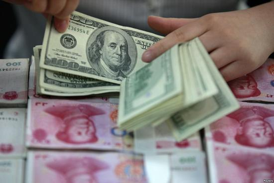 央行:人民币汇率完全能在合理均衡水平保持基本稳定